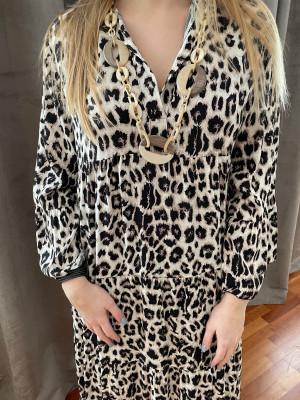 Longue robe leopard noire oversize